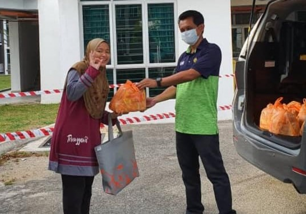 A Gift from Alumni to Students - Gambang